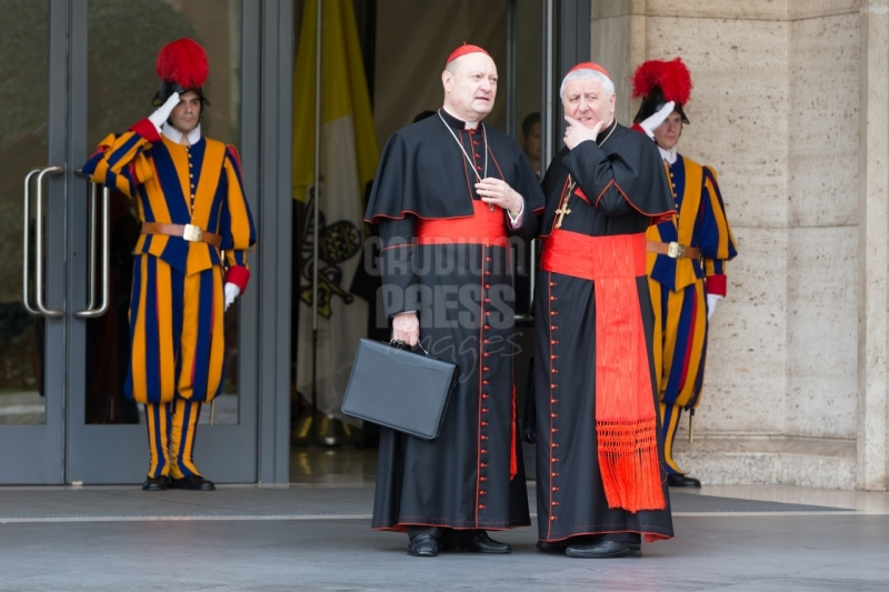 Vatican City: Cardinals Ravasi and Versaldi - IX Congregation of Cardinals before the election of Pope Francis. Photo: Gustavo Kralj/GaudiumpressImages