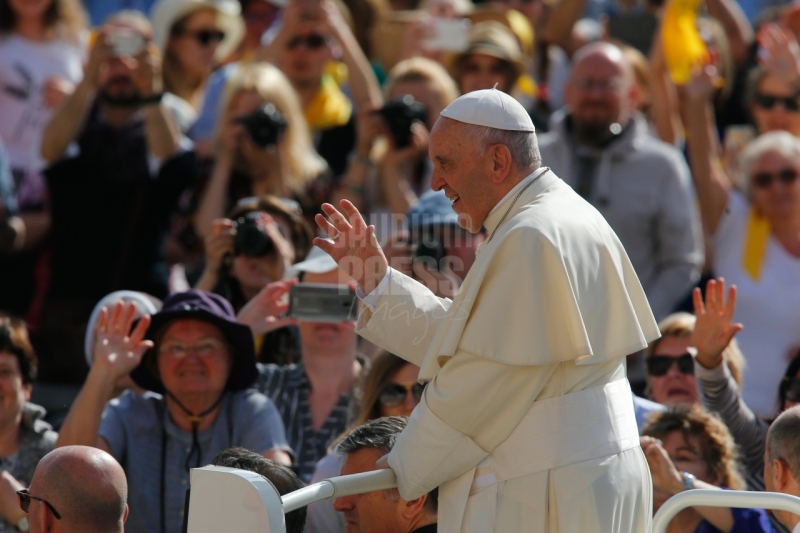 Vatican, St Peter Square: General Audience with Pope Francis. Photo: Gustavo Kralj/Gaudiumpress Images