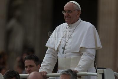 Vatican City: Pope Francis Audience  27-03-2013 - Papa Francesco Udienza generale Piazza San Pietro Citta del Vaticano . ©Gustavo Kralj/GPImages